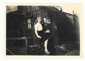 Photo:This loving couple at the Nissen huts camp are Lil and John Hayward.